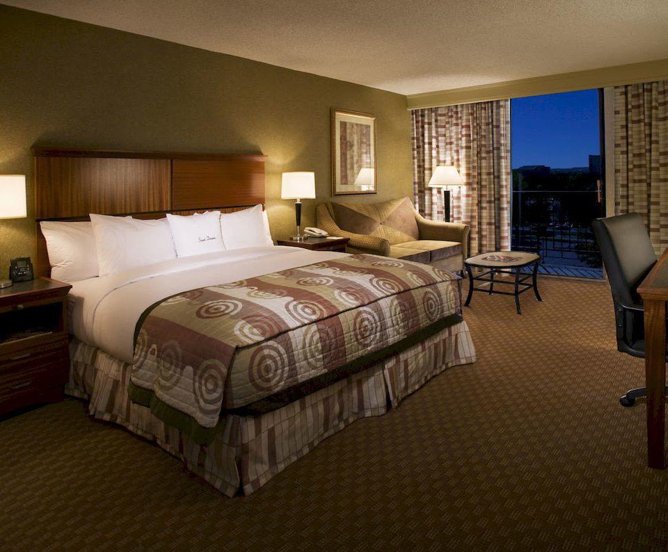 Bedroom Classic Resort property Suite cottage bed sheet condominium