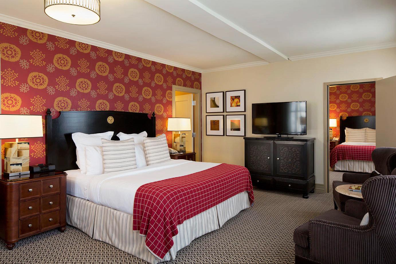 Bedroom Classic Resort sofa property Suite cottage living room home bed sheet