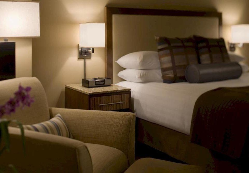Bedroom Classic Resort sofa property Suite living room condominium home cottage