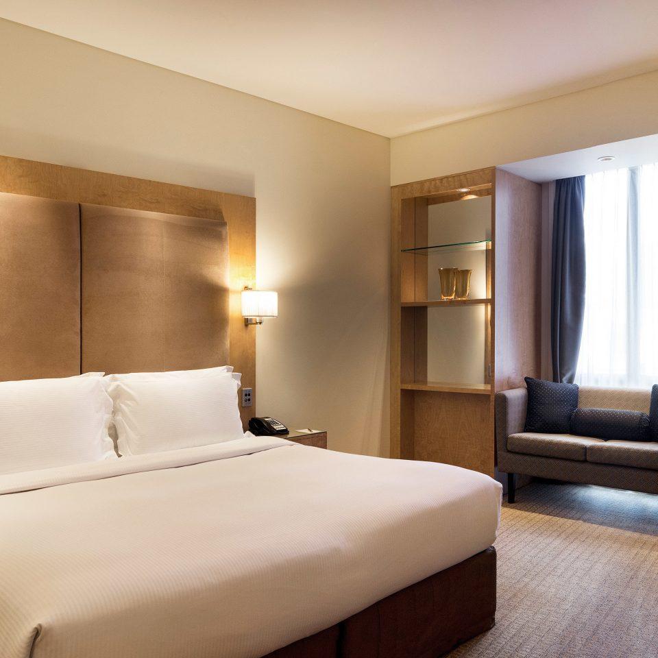 Bedroom Classic Resort Suite property condominium cottage