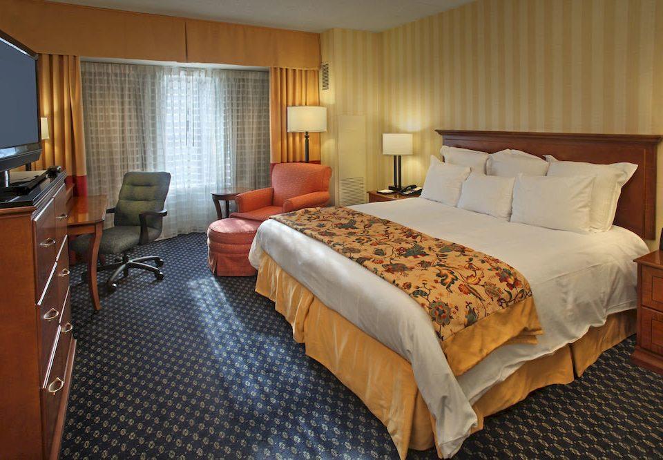 Bedroom Classic Resort property Suite desk cottage yacht
