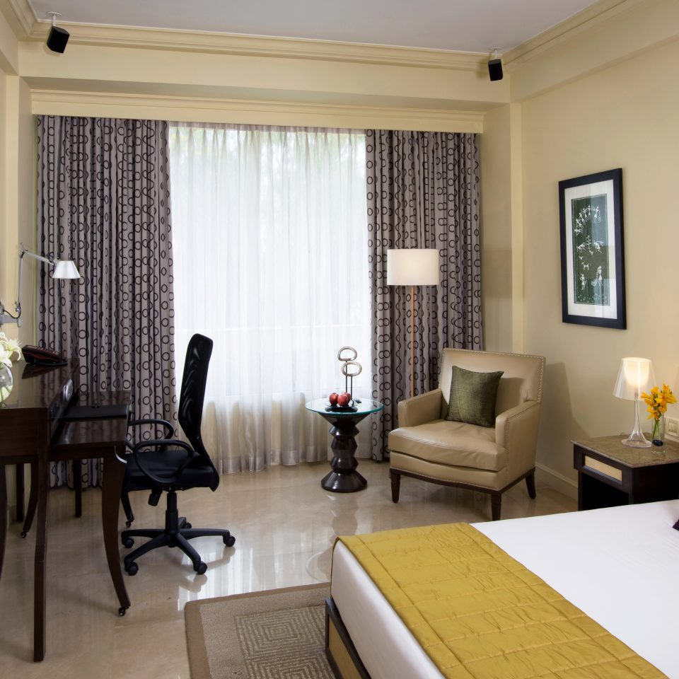 Bedroom Classic Resort property Suite condominium living room home cottage Villa