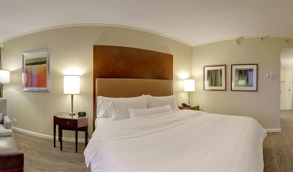 Bedroom Classic Resort property Suite Villa cottage pillow