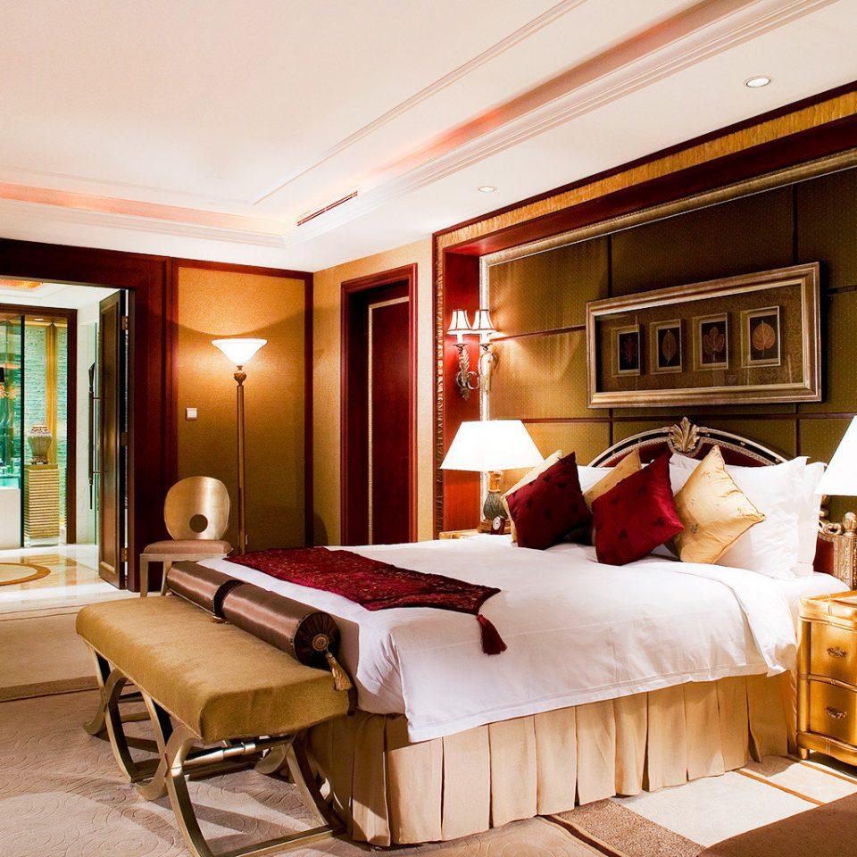 Bedroom Classic Resort property Suite living room home Villa