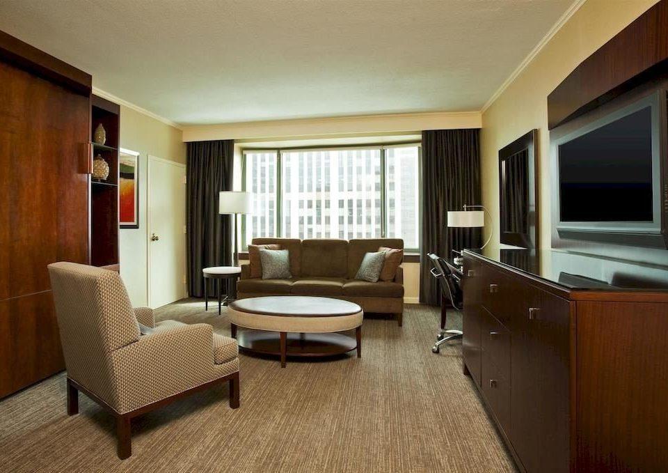 Bedroom Classic Resort property Suite home living room condominium cottage