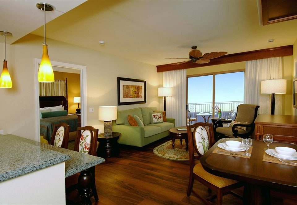 Bedroom Classic Resort property home living room cottage Villa Suite hardwood condominium farmhouse
