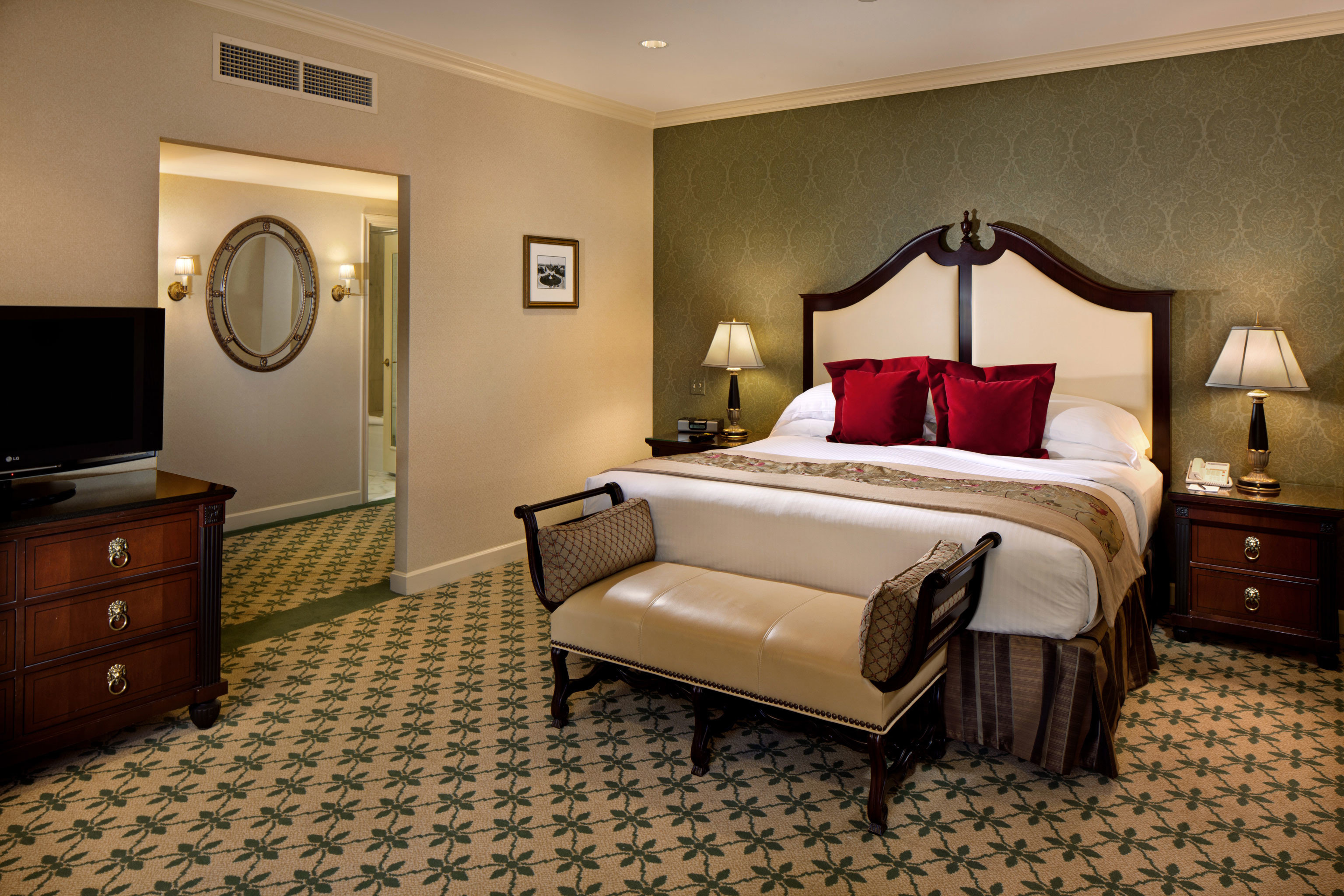 Bedroom Classic Resort property Suite living room home cottage