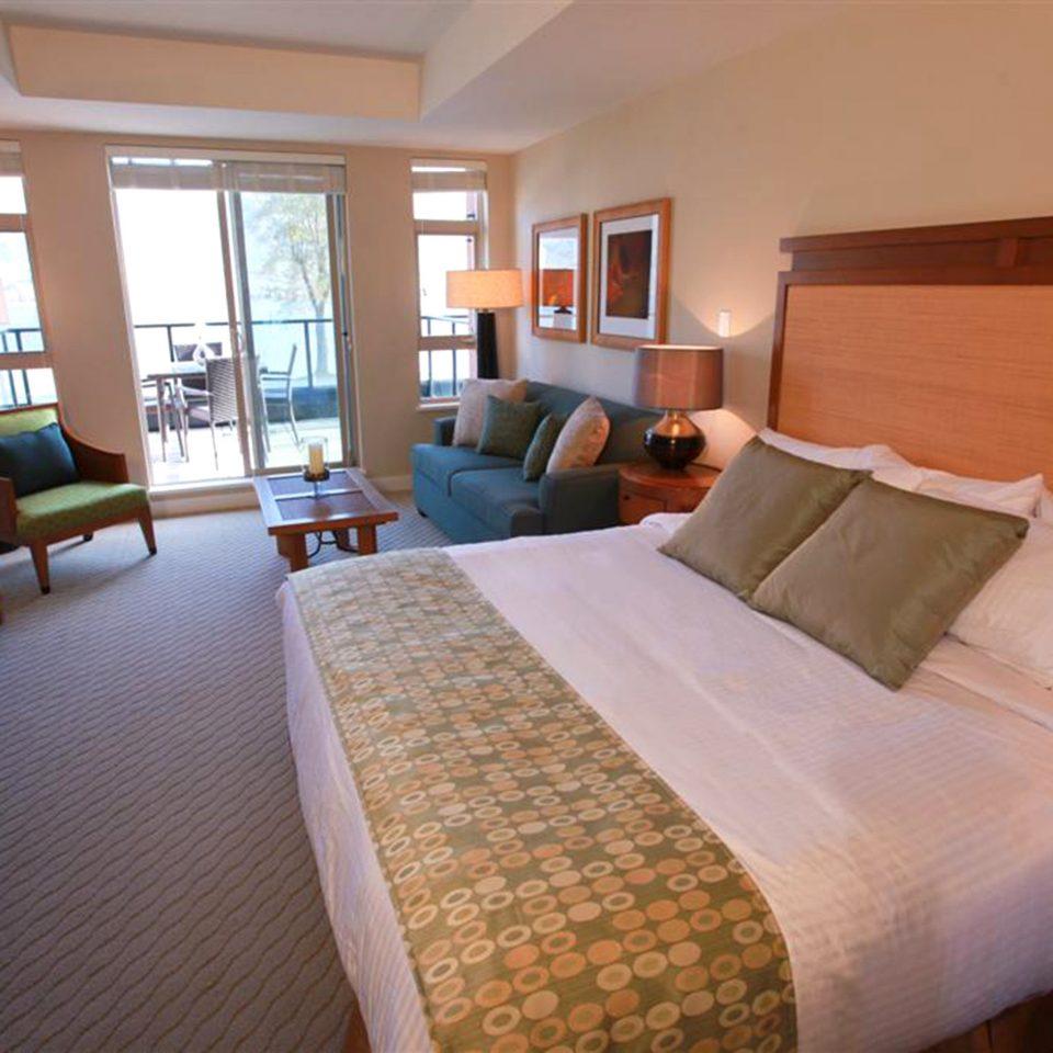 Bedroom Classic Resort property chair cottage Suite condominium
