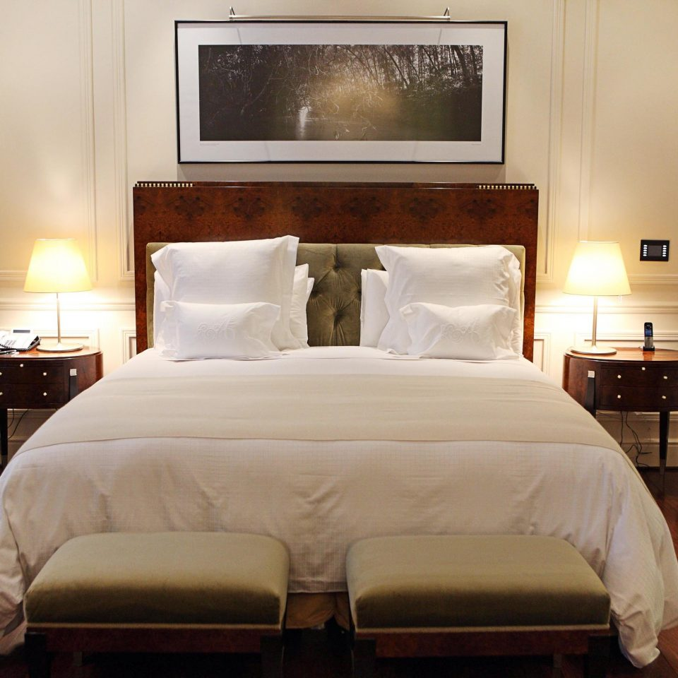Bedroom Classic Resort property Suite cottage hardwood bed frame home bed sheet four poster night