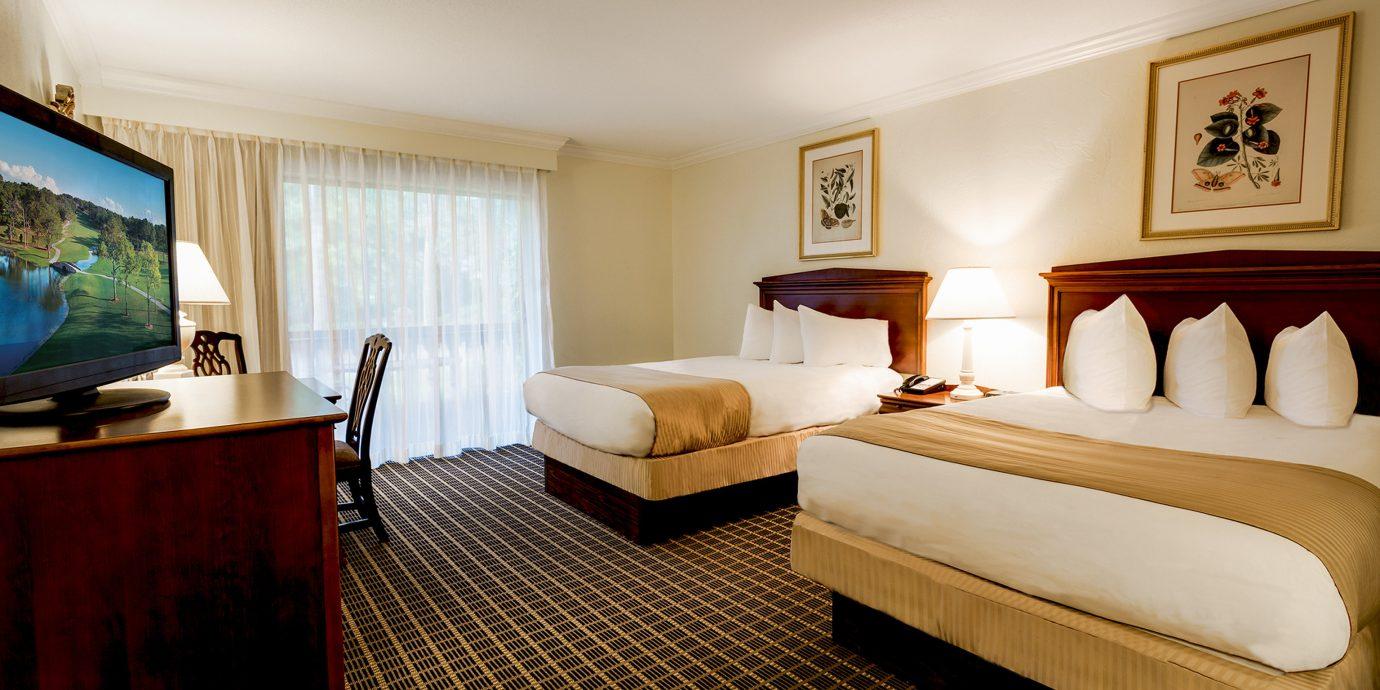 Bedroom Classic Resort property Suite cottage flat