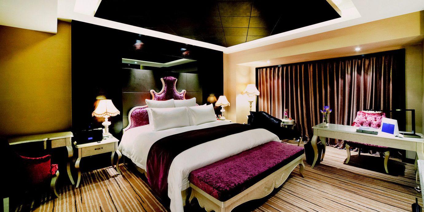 Bedroom Classic Resort Suite living room