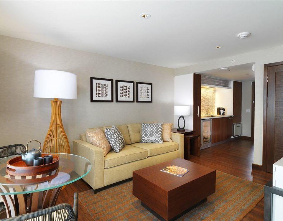 Classic Resort property living room home condominium hardwood Suite cottage Bedroom flat
