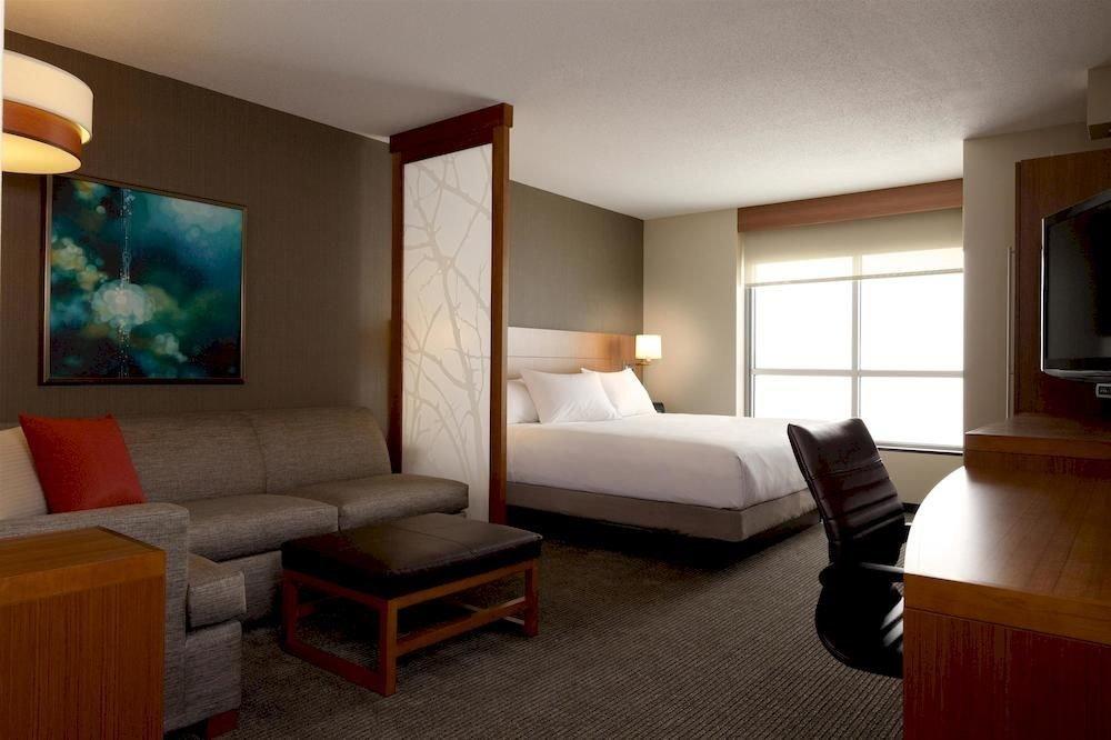 Bedroom Classic Resort property Suite living room home condominium cottage flat