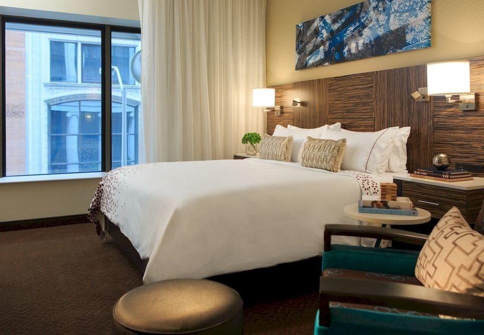 Bedroom Classic Resort sofa property Suite living room home pillow cottage condominium