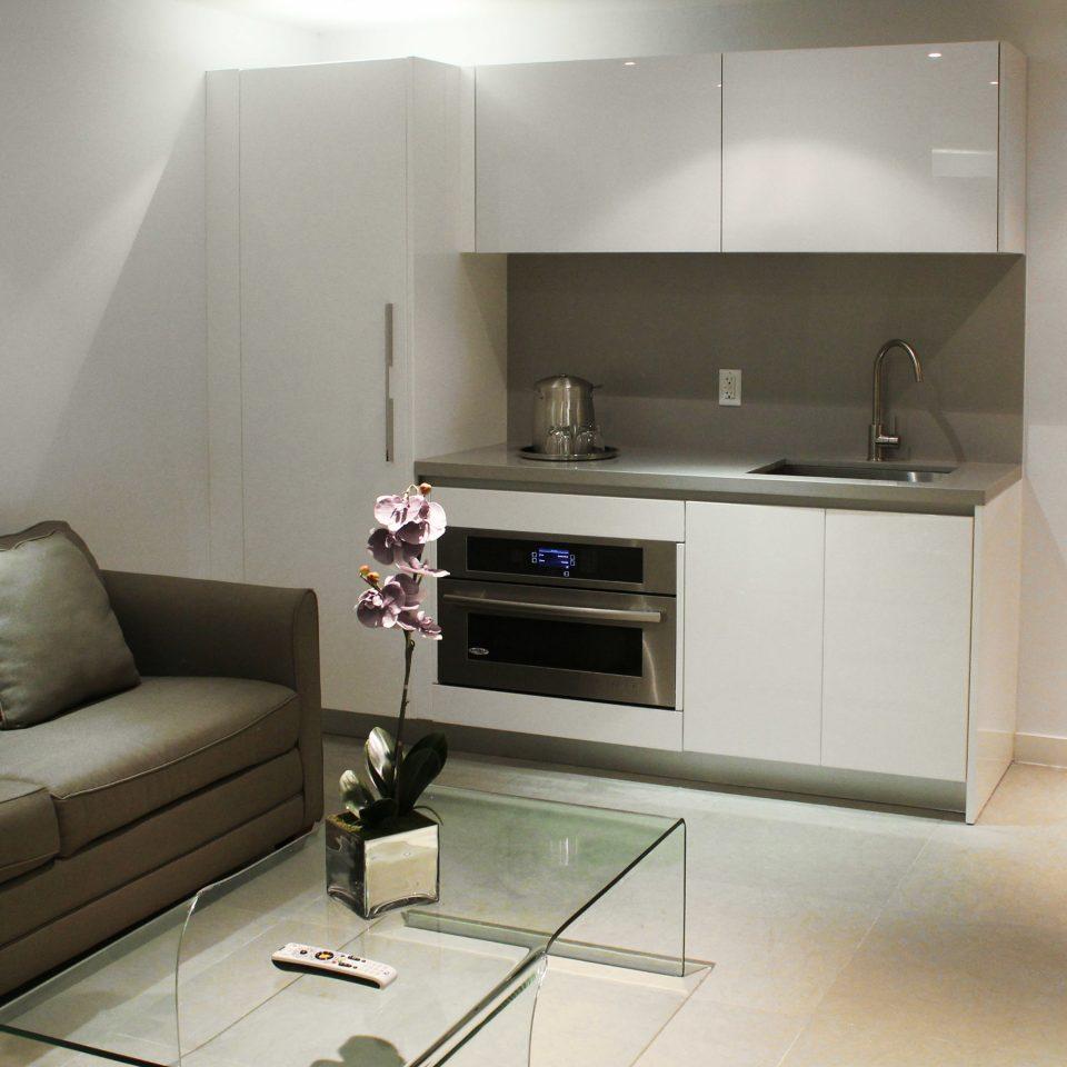 Bedroom Classic Resort Suite sofa property living room home loft cottage