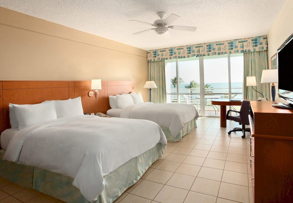 Bedroom Classic Resort property Suite home condominium cottage living room Villa