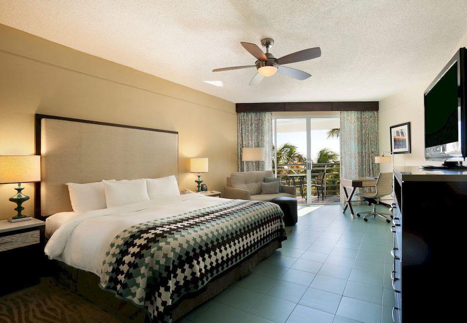 Bedroom Classic Resort property Suite home condominium living room cottage Villa mansion