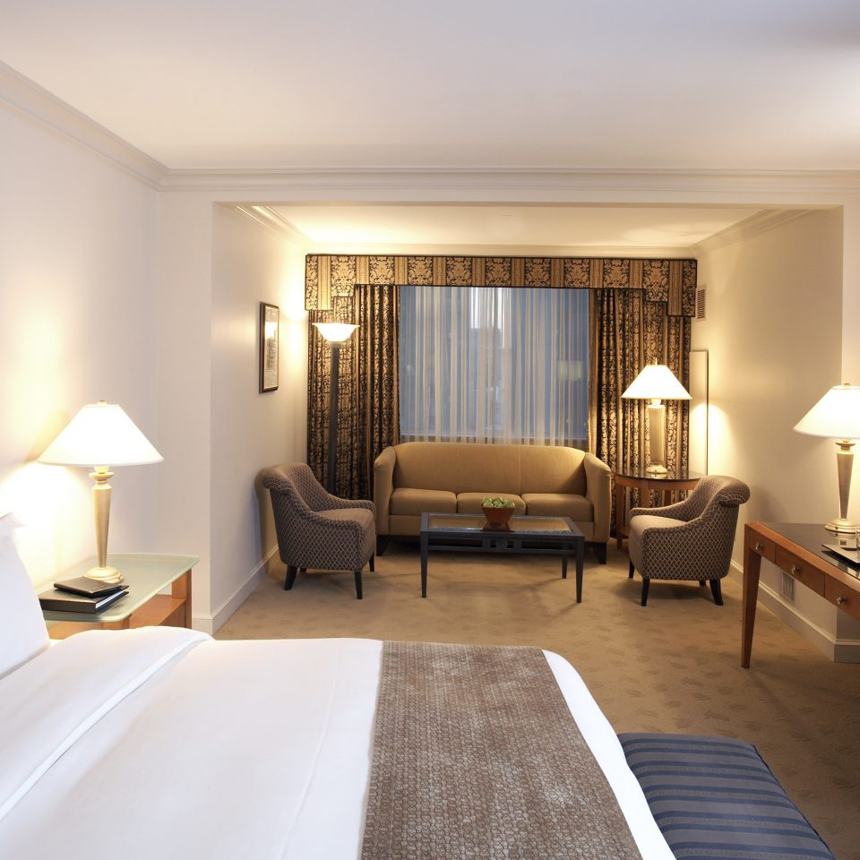 Bedroom Classic Resort sofa property Suite living room cottage condominium Villa