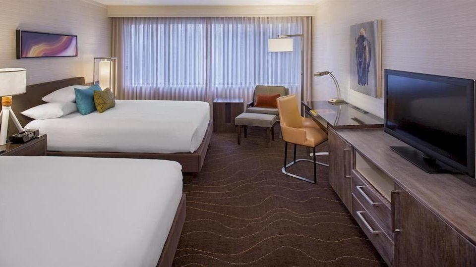 Bedroom Classic Resort property Suite living room condominium cottage vehicle