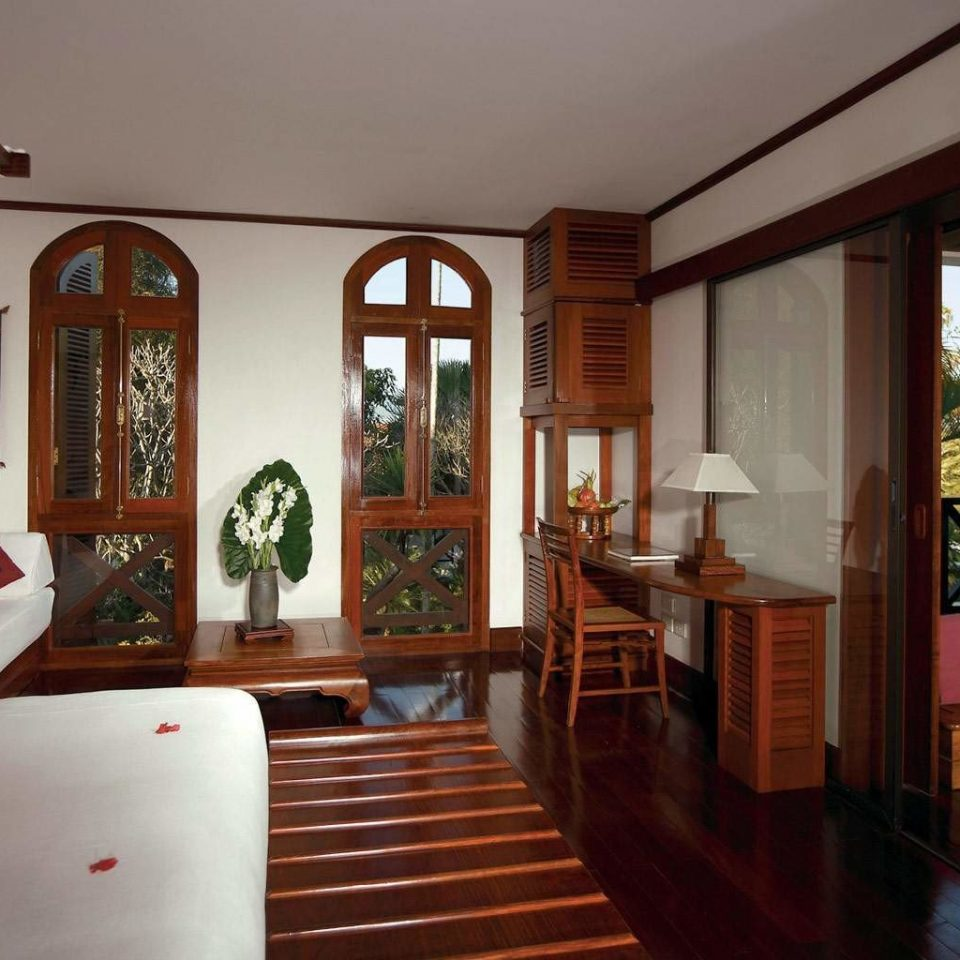 Bedroom Classic Romantic Suite property house home living room hardwood mansion Villa cottage