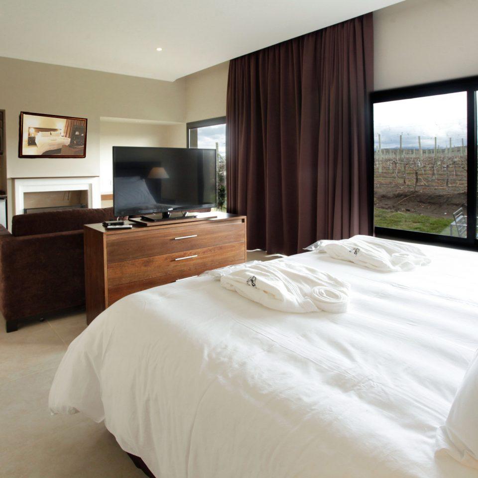 Bedroom Classic Scenic views property Suite white cottage condominium