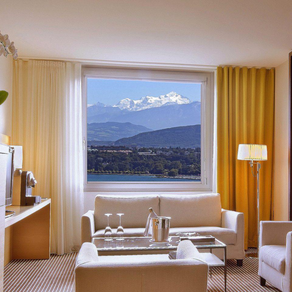 Classic Scenic views property Suite condominium living room home cottage Villa Bedroom