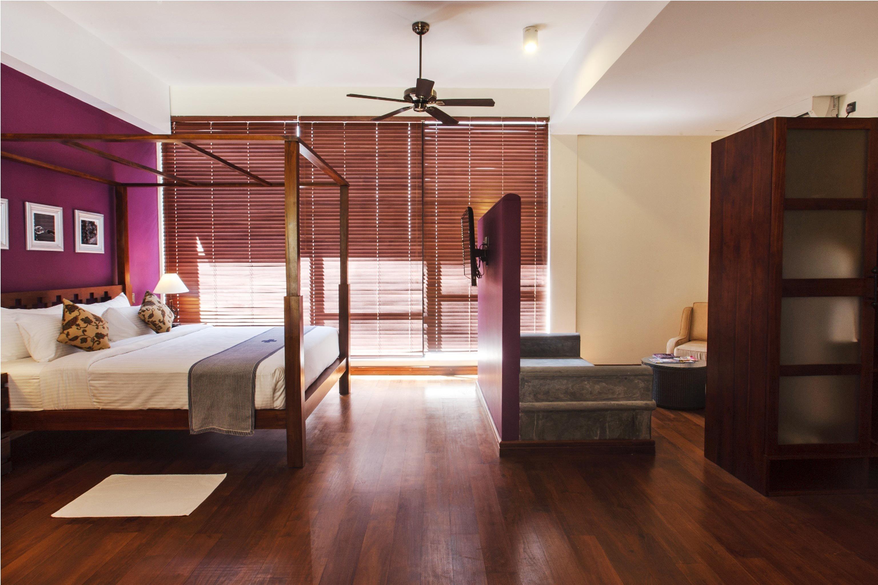 Bedroom Classic Suite property living room hardwood wood flooring home flooring laminate flooring loft