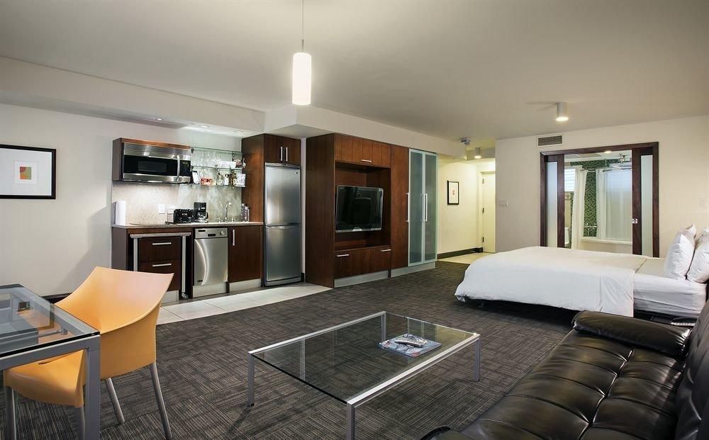 Bedroom Classic property living room condominium home Suite Villa cottage mansion