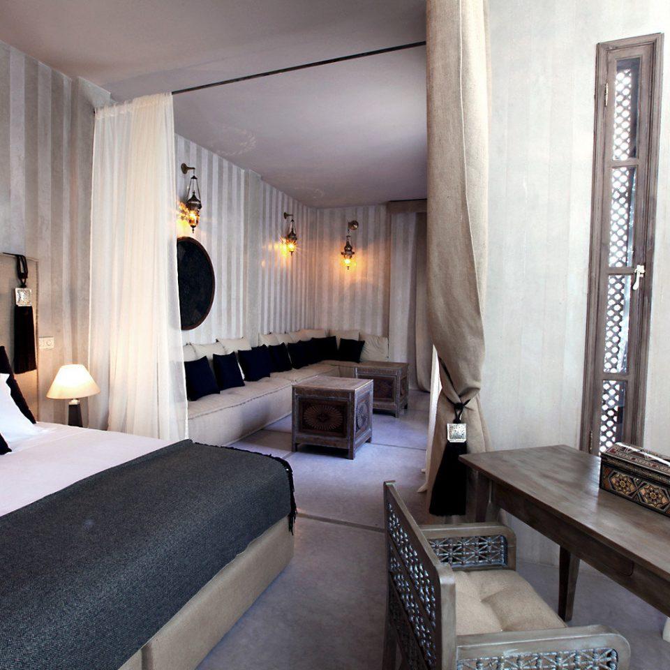 Bedroom Classic property Suite Villa cottage condominium living room mansion
