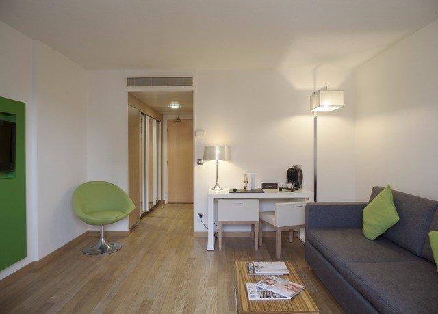 property hardwood cottage home condominium hard Bedroom flat