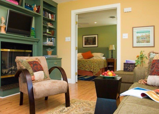 living room property home hardwood cottage condominium Bedroom