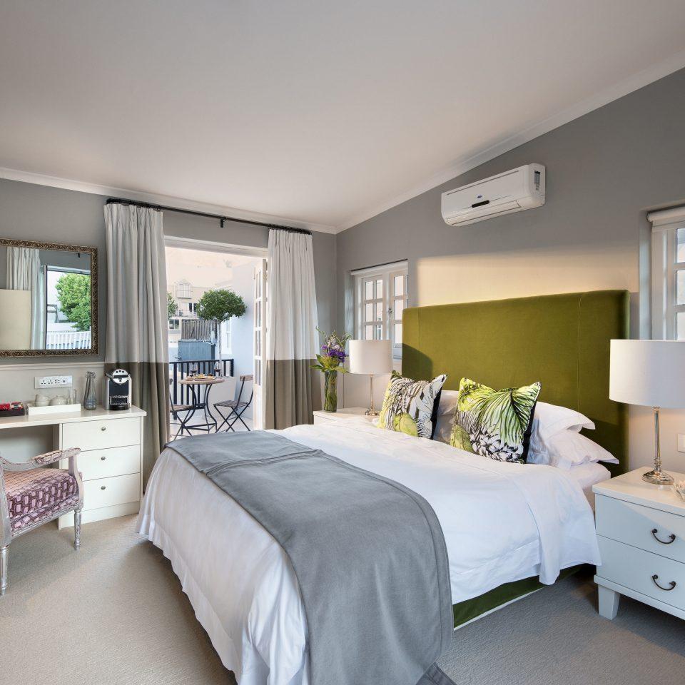Bedroom property home living room scene white condominium cottage pillow