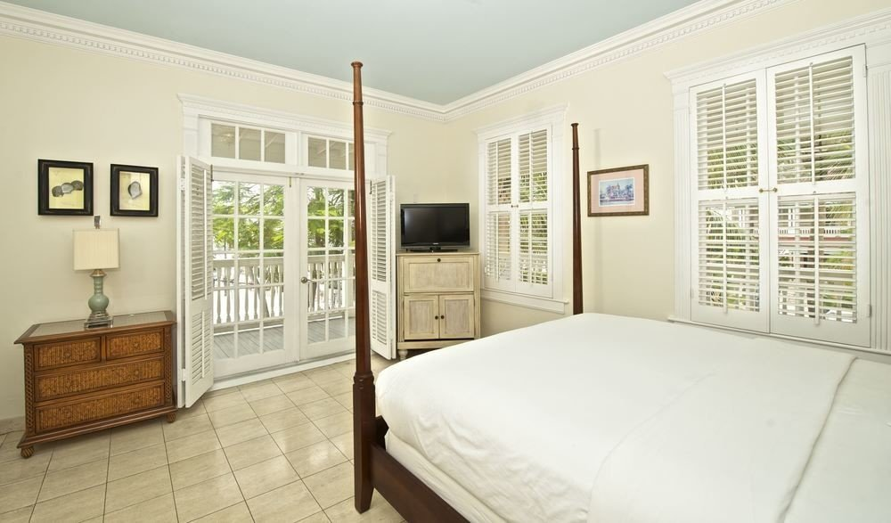 Bedroom property home living room cottage condominium