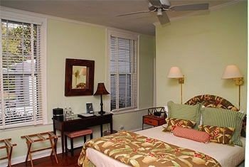 property Bedroom cottage living room home condominium