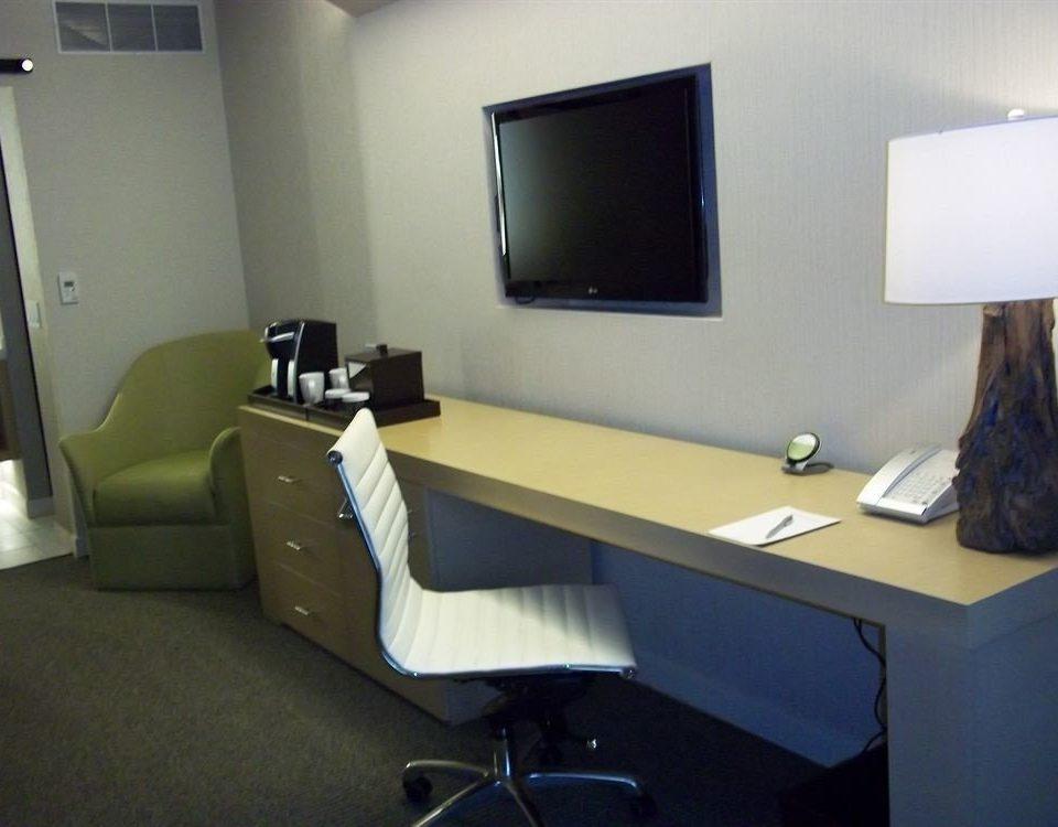 desk property office conference hall living room waiting room Bedroom