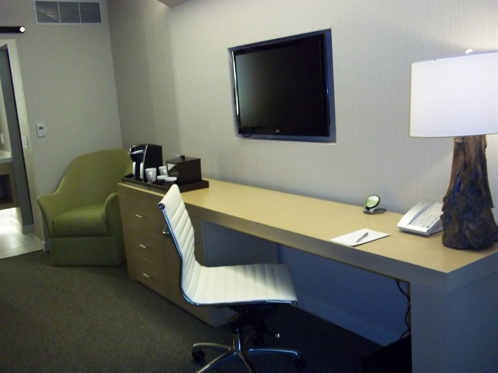 desk property office conference hall living room waiting room Bedroom