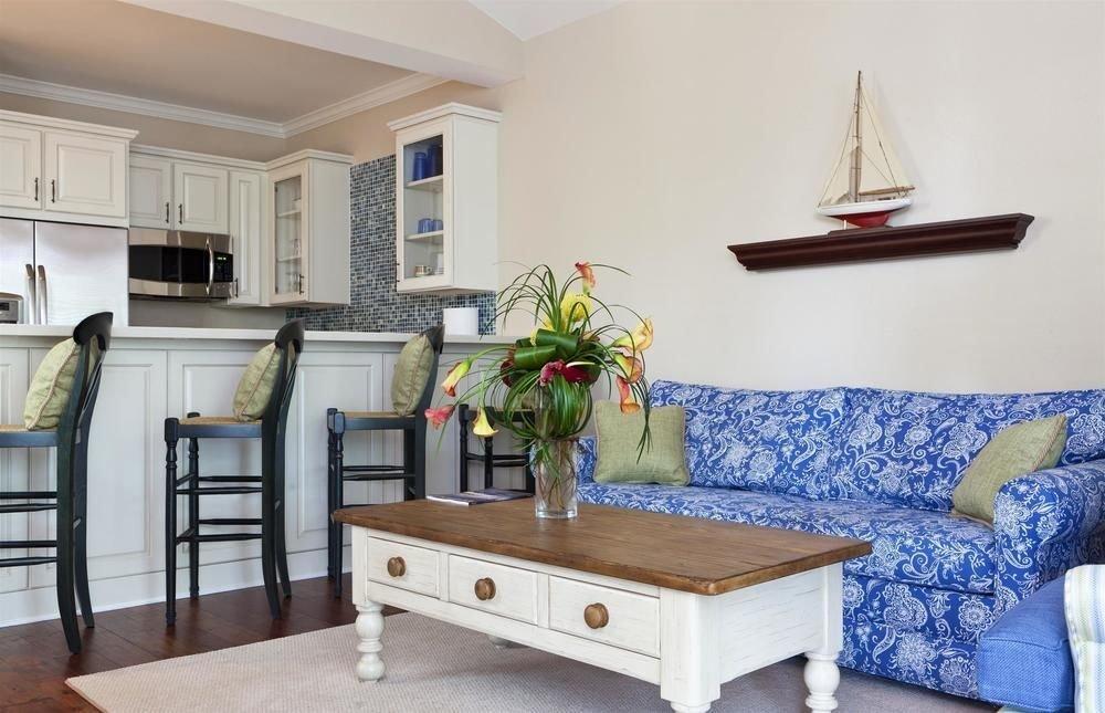 property living room home cottage hardwood Bedroom farmhouse