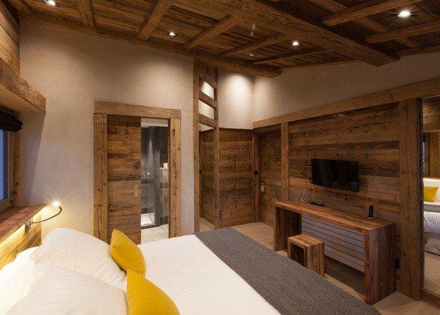 property home log cabin cottage living room farmhouse Bedroom
