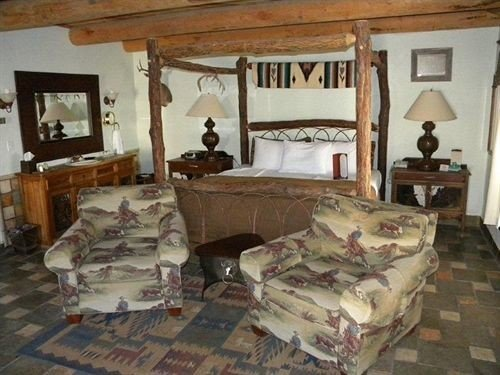 property Bedroom cottage living room home log cabin farmhouse