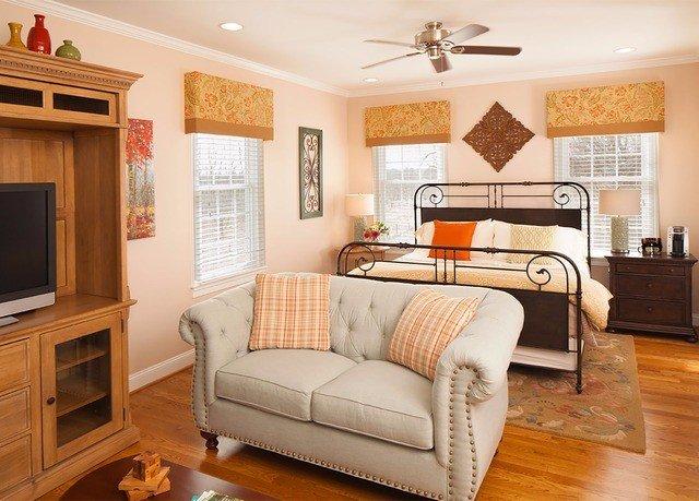 sofa living room property Bedroom home hardwood cottage flat