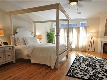 property Bedroom cottage hardwood living room wood flooring flooring hard