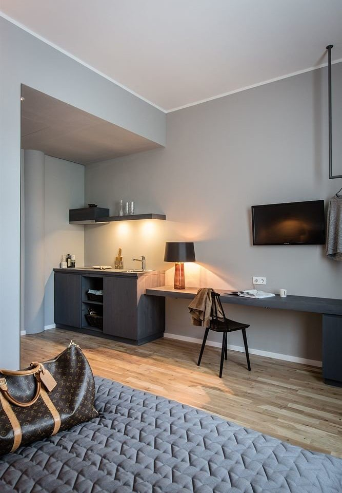 property living room hardwood flooring home hearth wood flooring laminate flooring cottage loft Bedroom
