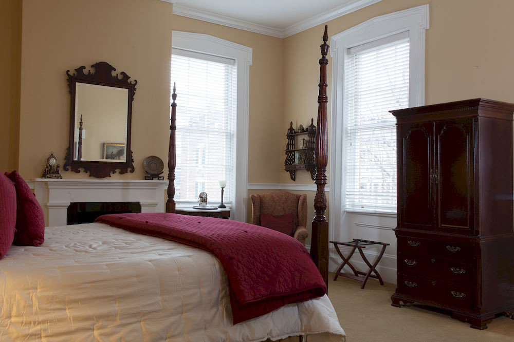 Bedroom property home hardwood red cottage pillow living room