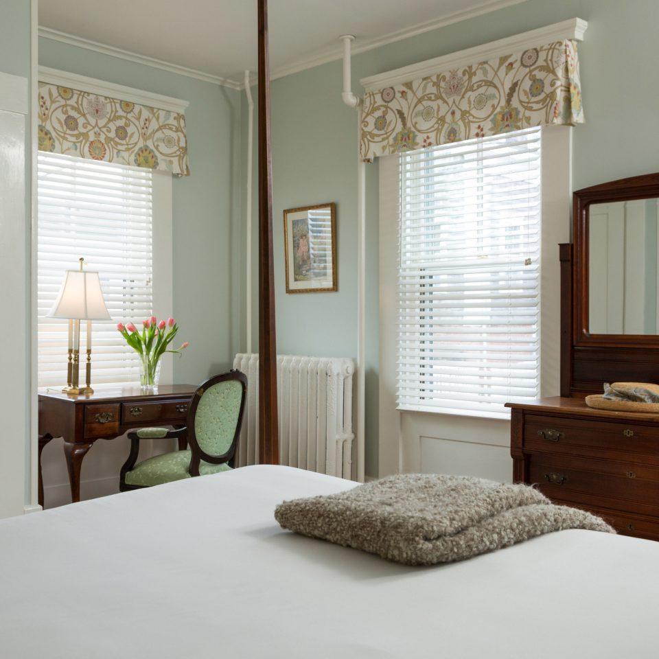 Bedroom property home living room hardwood cottage