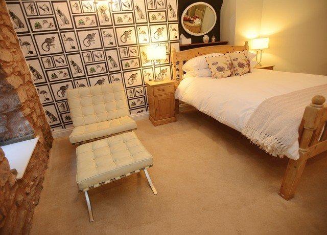 property Bedroom hardwood cottage living room