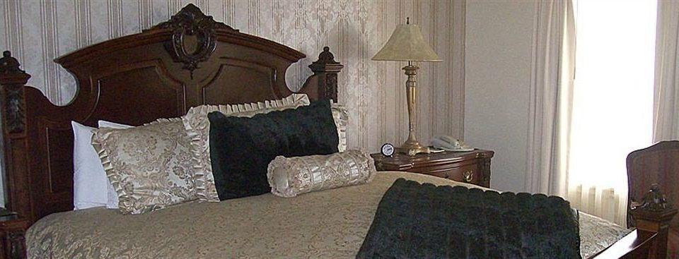 property cottage home Bedroom mansion living room lamp