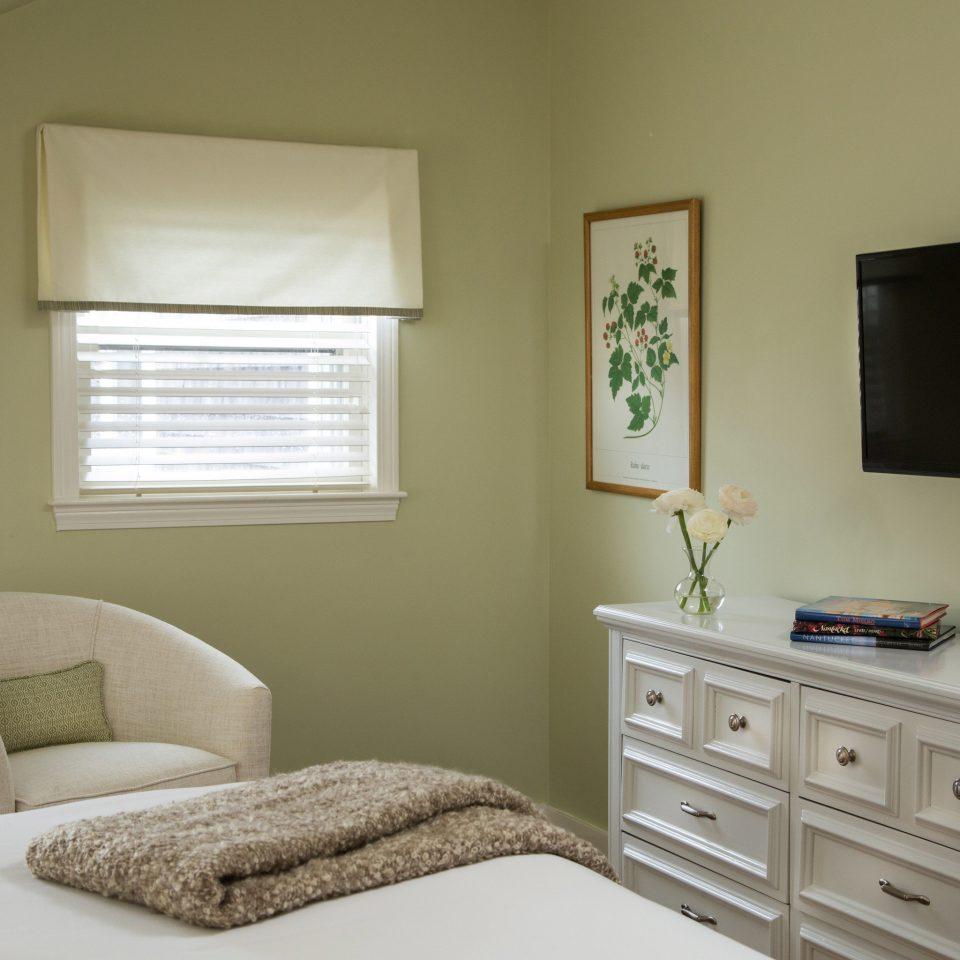 property Bedroom home cottage living room