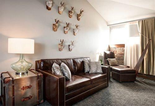 property living room Bedroom home cottage