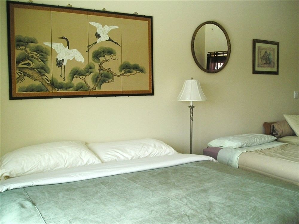 property Bedroom cottage pillow lamp painting tan