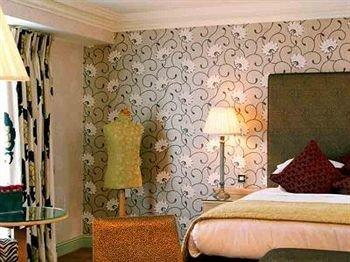 property living room cottage wallpaper Bedroom